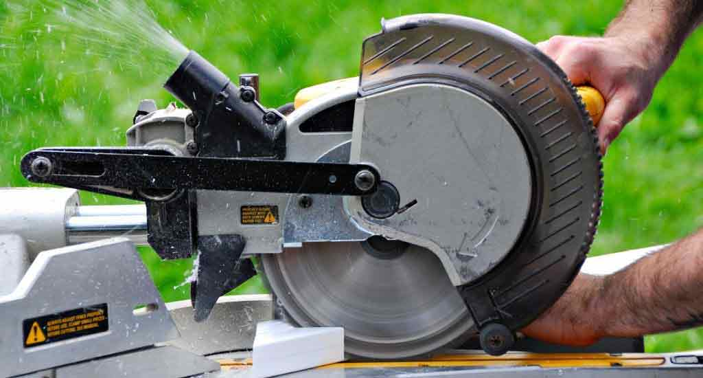 What is the best miter saw to use for home use? - cover