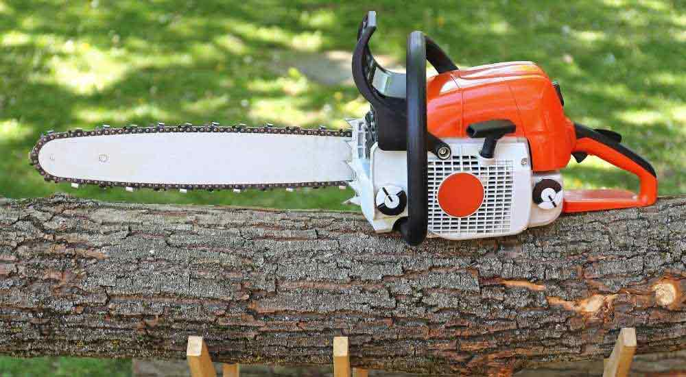 how-much-does-a-chainsaw-weigh